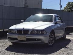 BMW 5シリーズ の中古車 525i セレクション 兵庫県小野市 68.0万円