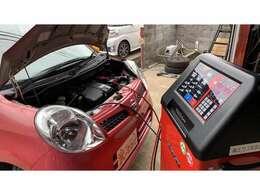 これからエアコンが必須の時期に突入しますので、エアコンの点検もしております。元々入っていたエアコンガスを一度回収し、新たに充填。エアコンの効きも回復しています★お客様のお車でもご相談いただければ施工可