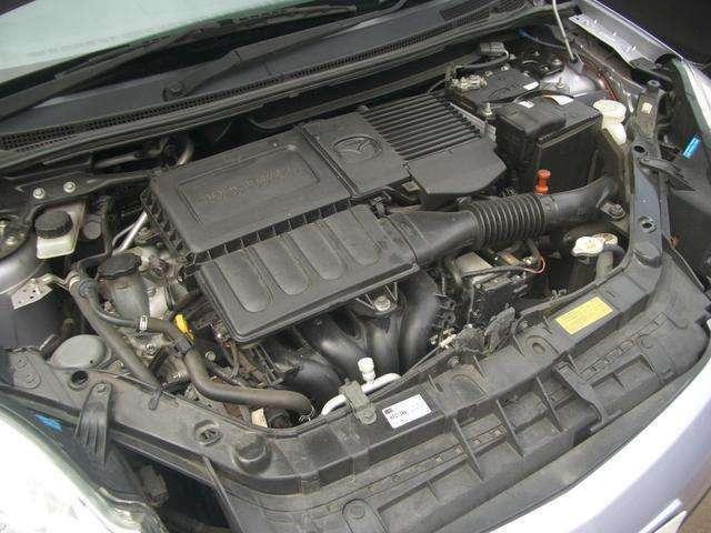 水冷直列4気筒DOHC16バルブ・JC08モード燃費16.4km/リットル(カタログ参照)