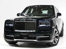 外装はSapphire Black(濃紺メタリック)内装はShelby Gray(グレー)/Cobalto Blue(ブルー)の組み合わせです。