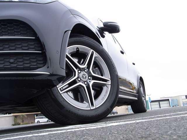SUVながらも、メルセデスらしいスポーツ性をデザインによって表現。