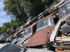旧車・珍車はパーツが心配・・・当店にお任せ!豊富な自社在庫にてお客様をサポート!当店スタッフがお力になります。