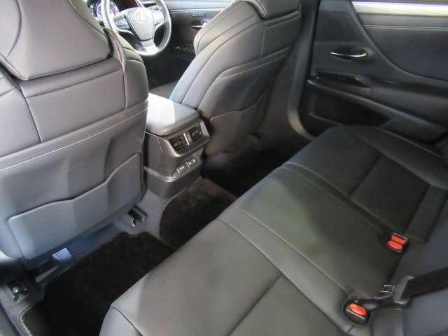 ◆後部座席◆ゆったりとした空間です◆