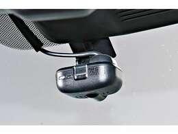 事故の際の映像を録画!ドライブレコーダーを装備!