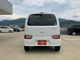大きなガラスで駐車しやすいですが、プライバシーはしっかり守ります。