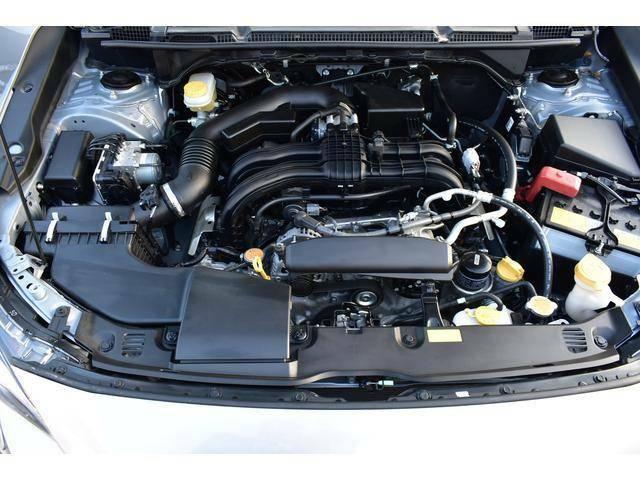 水平対向エンジン。軽量・コンパクトかつ低重心な構造がもたらす、軽快でスポーティなハンドリング。