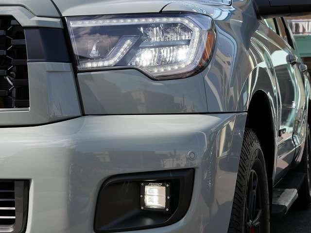 ★LEDヘッドライト&フォグはRigid Industries製でTRD PROならではの装備となります!