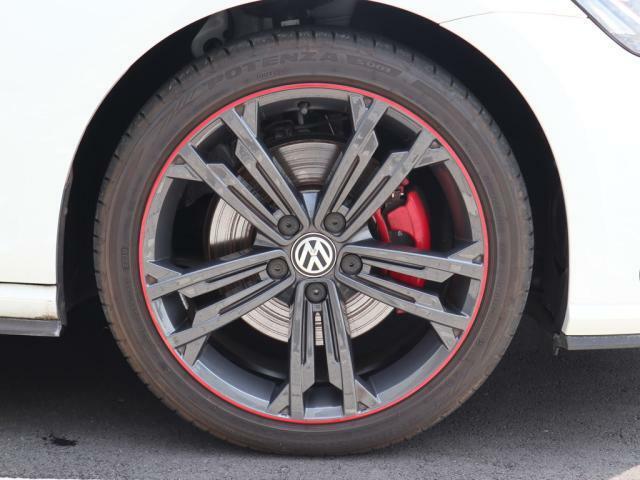 22540R18 GTI Dynamic専用純正アルミホイール。