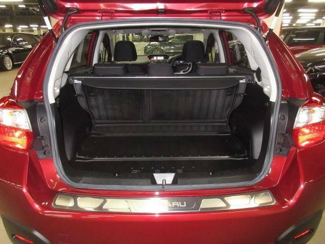荷物をたっぷり載せて広々ドライビング♪座席を倒せば更に収納機能がアップします!