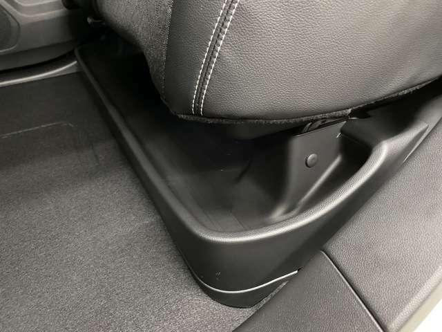 靴や傘置きとしても使えるのでとても便利ですよ!