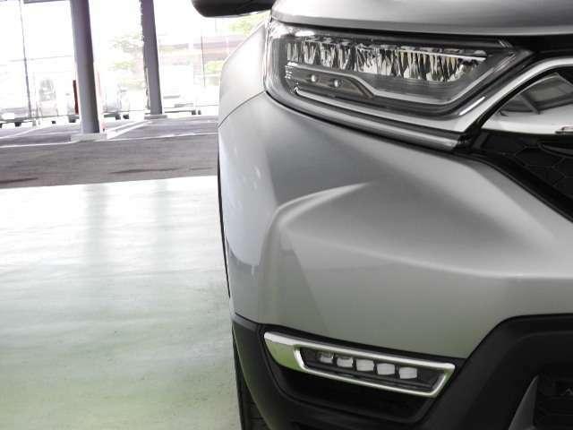 LEDヘッドライトで夜間や雨天時のドライブを明るくサポート!省電力、耐久性にも優れています。