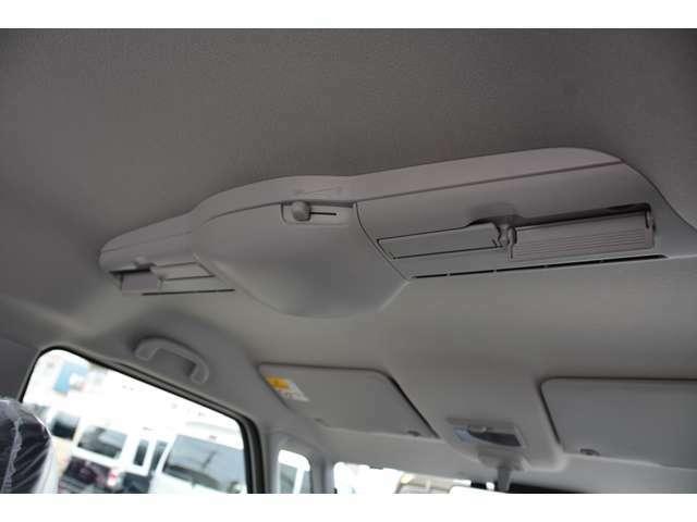 スリムサーキュレーター付き!室内の空気を効率よく循環させて、冷たい空気や温かい空気の前席後席の偏りを解消します♪お問い合わせは079-280-1118、カーズカフェ カーベル姫路東まで^^