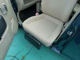 助手席回転シートのワンオーナーカーが入荷いたしました