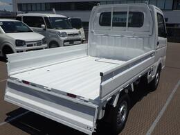 荷台は3面独立で開閉可能!荷物の量や場面に応じて使用できます♪