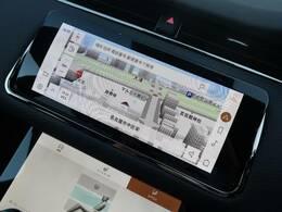 【PiviProシステム】10インチ高精細デュアルタッチスクリーンを備えております。上の画面でナビやオーディオを操作して、下の画面でキャビンやシートの温度調整をすることも可能です。