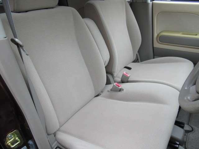 運転席シートも非常に綺麗な状態です。