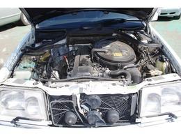 自社サービス工場にて購入後のアフターサービスも当店にて対応可能です。オイル交換やタイヤ交換から車検整備までおまかせ下さい。