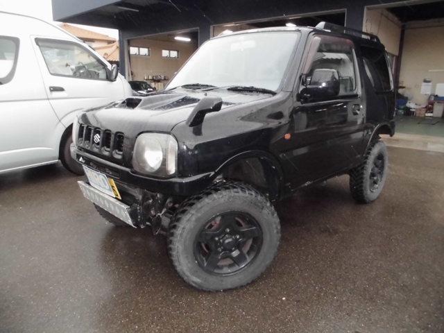 ジムニーXC ABS、エアバック装着車入庫しました。ブラック全塗装車です。