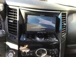 バックカメラもついているので大きな車体の駐車も安心です。
