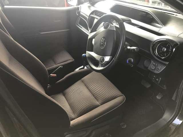 運転席側のシートです。