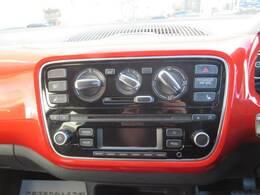 純正CDオーディオ装備。ラジオ視聴も可能です。