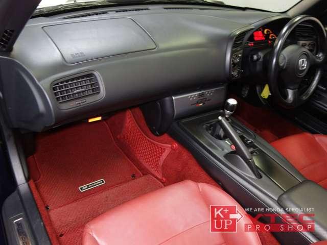 ETC車載器が装着済みです。追加でドライブレコーダー取付等もお気軽にご相談ください。