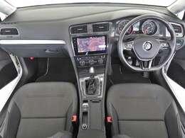 「Discover Pro(Volkswagen純正ナビゲーションシステム)」・「リアビューカメラ」装着車両。