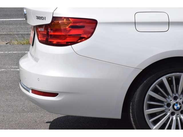 リアバンパー右側面に写真で表現しにくい線傷とホイールにガリ傷があるぐらいで全体的に綺麗な車です。詳細画像も併せてご覧ください。