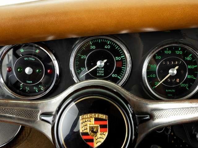 油圧計、トランスミッション、キャブレター、ブレーキなどオーバーホールされておりますので、普段の生活でも問題なくご乗車いただけます。