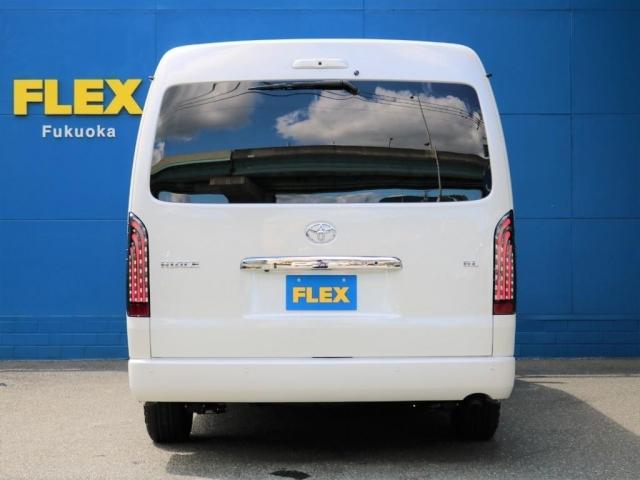 FLEXオリジナルの煌LEDテールでリアビューの格好良さもばっちり!