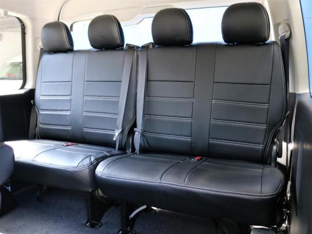 FLEXシートカバー(ホワイトステッチ)レザー調のシートカバーは質感も乗り心地も抜群です☆