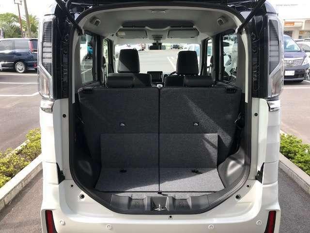 凹凸が少ないバックドアスタイルで荷物の載せ降ろしがラクラク