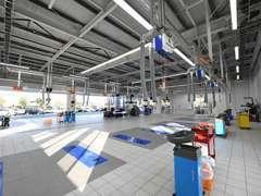 購入後のアフターメンテナンス、車検までお客様のカーライフをサポートします。