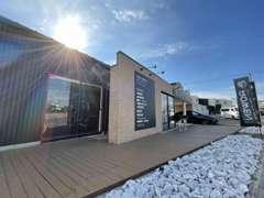 当社では、カスタマイズされた車両販売を行っております。ROWENブランドを中心に、お気に入りの1台をご提案させて頂きます