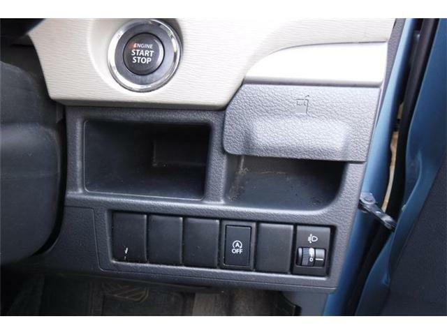 エンジンスタートボタン下にアイドルストップオフスイッチです。