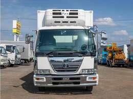 【車両総重量】7960kg  【最大積載量】2900kg  【対応免許】中型免許