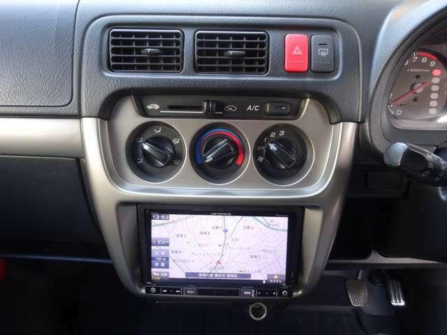 ナビが付いております。初めての道路もこれがあれば安心です! ドライブが、より快適でより楽しいものになります!! フルセグTV CD/DVD再生 Bluetooth等付でお楽しみ頂けます。