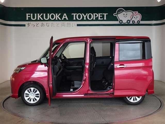 両側スライドを採用、助手席側は電動式で運転席から開閉できます。(運転席側は手動式です。)