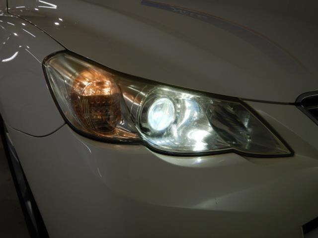 HIDヘッドライトがついてますから、夜間はとっても明るく安心して走れます!!!(^^)!
