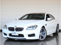 BMW M6 グランクーペ 4.4 黒革 HUD 20AW Hifi LED トップビュー