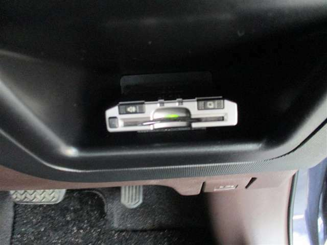 「ETC」高速道路には、今や必需品のETCが付いています。納車後直ぐに遠出のドライブ計画をどうぞ!