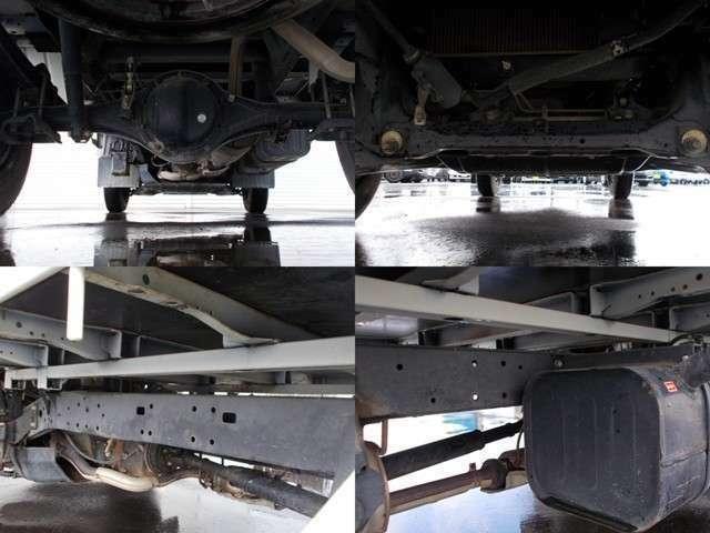 下回りフレームの状態は錆少ないです!別途料金ですが下部塗装も致します!