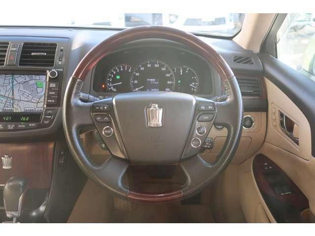 未使用車から高品質低価格車、国産、輸入問わず週間10万台の中からお客様のご希望のお車をご提案致します!!『買取、販売、車検、板金、整備、コーティング』など、車のことはすべてお任せください。