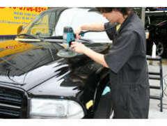 弊社では、ご納車前にボディー磨き・ガラスコーティング・ルームクリーニングを実施してからご納車させて頂いております。