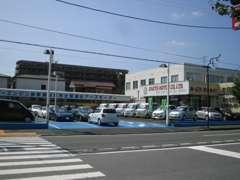 横浜横須賀高速、衣笠インターより、お車で5分ほどになります。