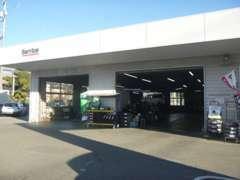 整備工場を併設しておりますので、点検・整備等のアフターサービスもご安心ください!専門のメカニックが対応致します!