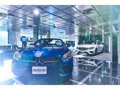 AMGパフォーマンスセンターが併設されており、厳選されたAMGのサーティファイドカーも多数取り揃えております。