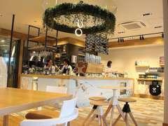 こだわりのカフェ「LAUMELIA」も同時オープンいたしました。