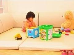 小さなお子様も楽しく過ごせるキッズスペースをご用意しております。もちろん、常に清潔を心がけております!