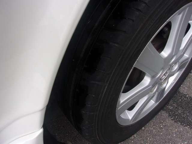 リヤのタイヤとホイールです!残り溝も有り、フロントのタイヤ同様、まだまだご使用していただけます!